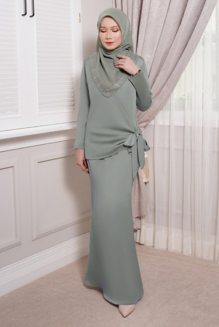 ONDE Kurung in Dusty Olive