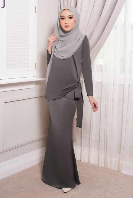 ONDE Kurung in Dark Grey
