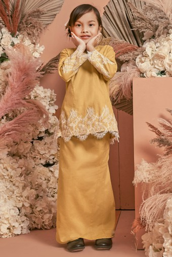 Kunyit Kurung Girl in Royal