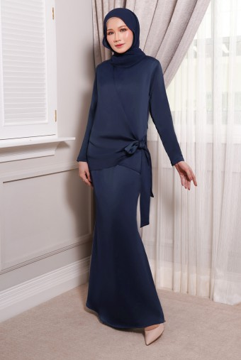 ONDE Kurung in Deep Blue