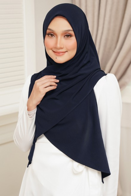 Luna Bawal Instant in Dark Blue