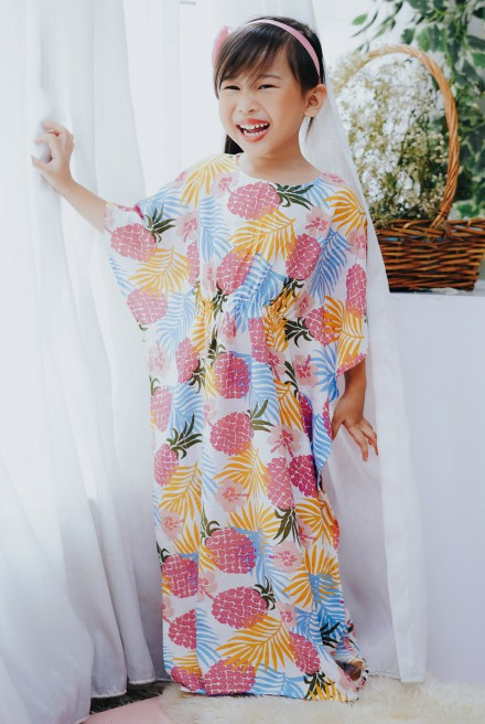 LUNA Kaftan Kids in Pink Pineapple