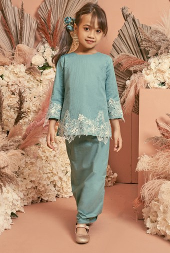 Kunyit Kurung Girl in Teal