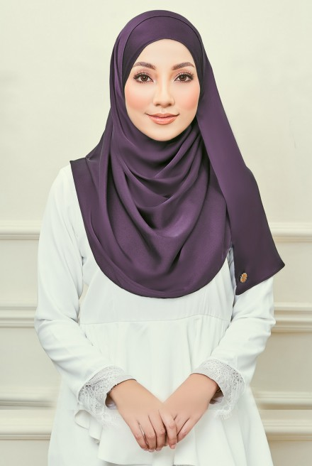 (AS-IS)Ayrin Satin Long Shawl in Plum