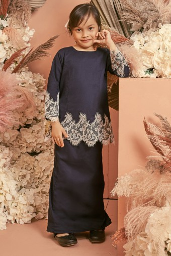 Kunyit Kurung Girl in Deep Blue