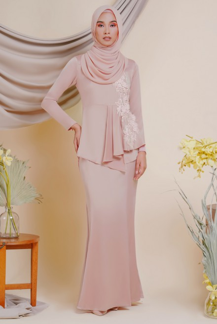 AYESHA Kurung in Dusty Pink