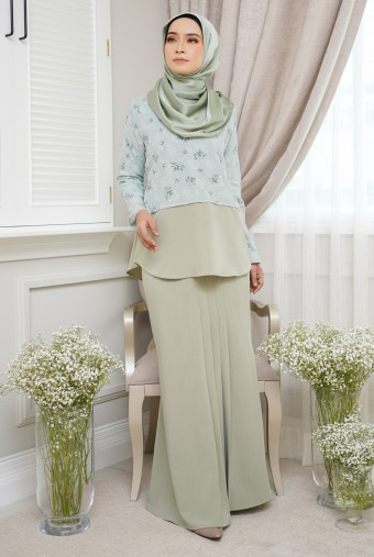 Bawang Kurung in Apple Green