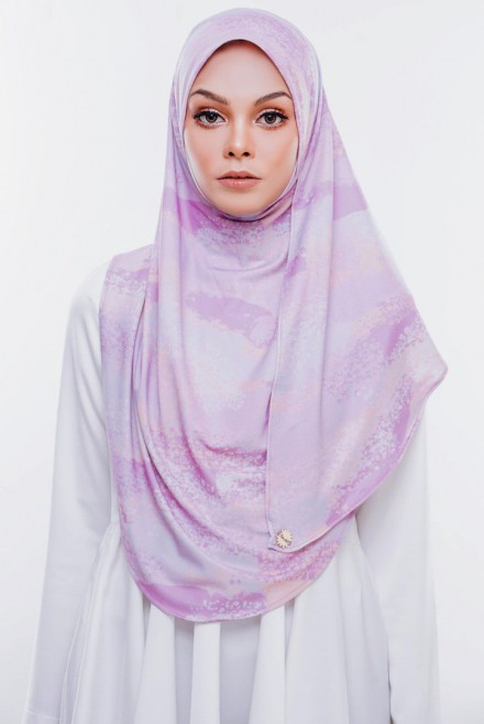 Rizqaa Printed in Bubblegum