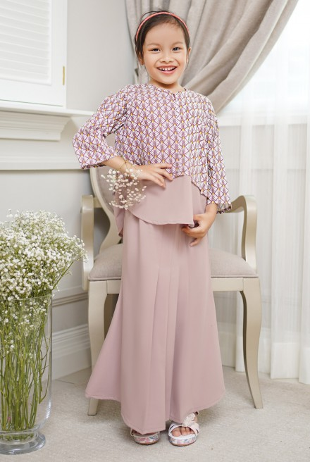 Bawang Kurung Girl in Dusty Purple