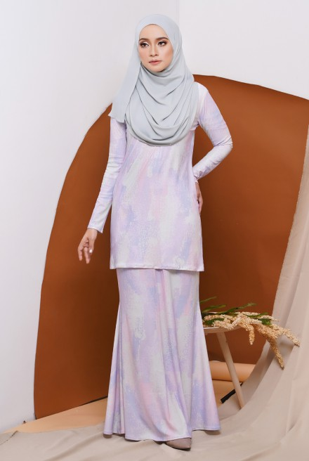 GRACE KURUNG IN PASTEL LILY