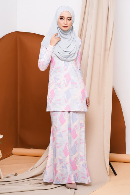 GRACE KURUNG IN PINK DUSTY GRASS