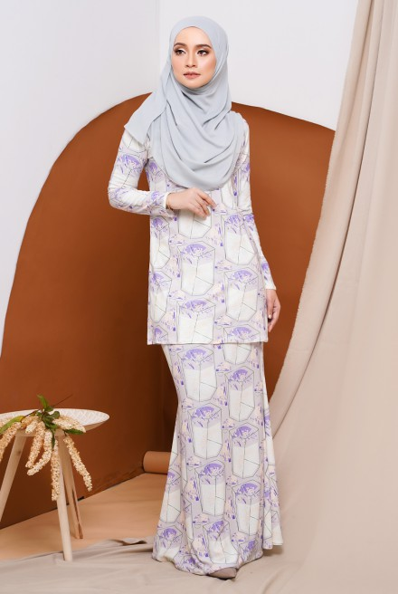 GRACE KURUNG IN JASMINE