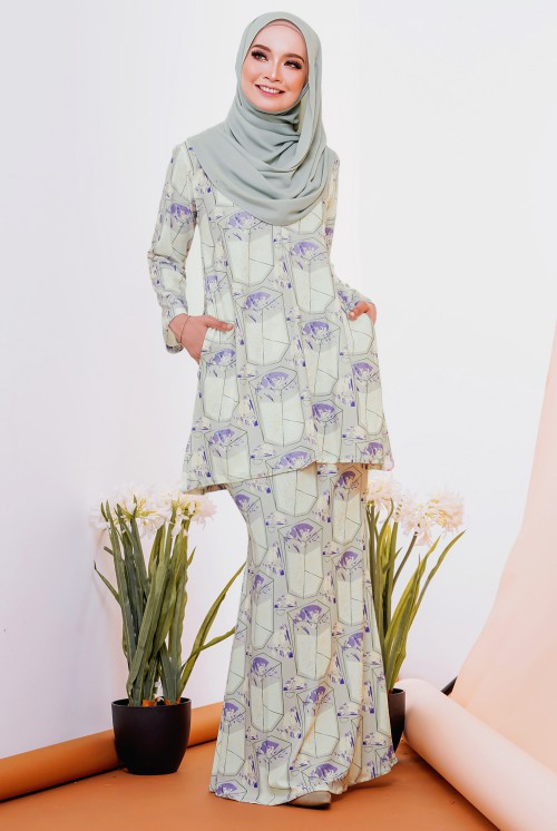 GLORIA KURUNG IN JASMINE