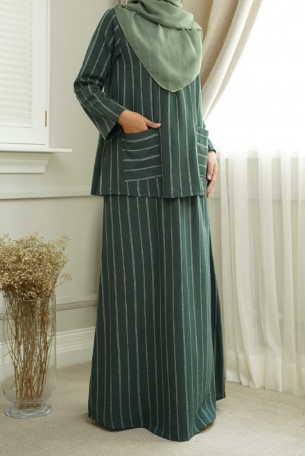 Teja Kurung in Emerald Green