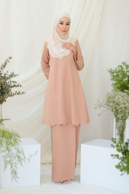 Widuri Kurung In Brown