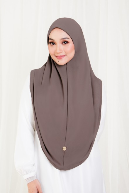 Afja Bawal Express in Brunette