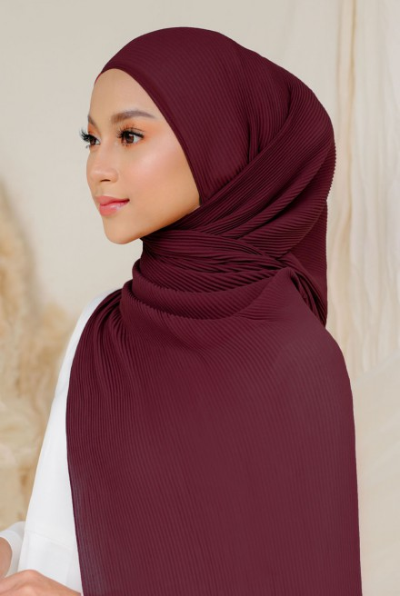 Naeka Full Pleated Shawl in Burgundy