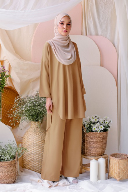 Atma Suit In Caramel