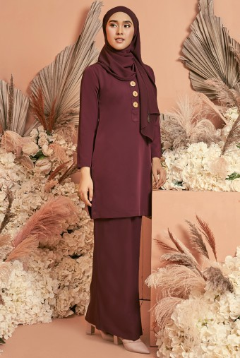 Halia Kurung in Burgundy