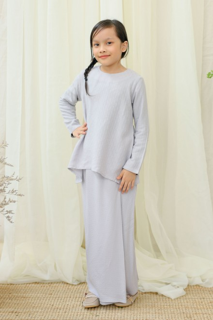Srikandi Kids In Light Grey