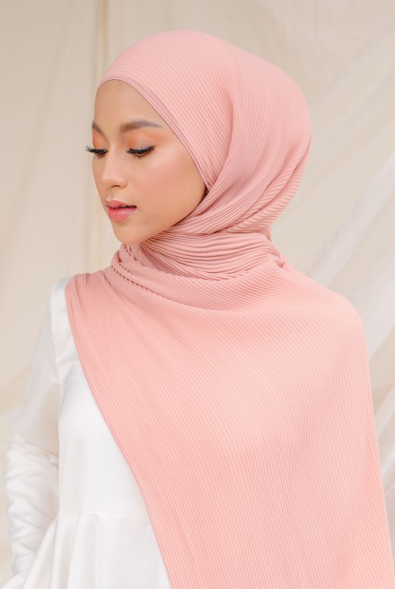 Naeka Full Pleated Shawl in Lovelight