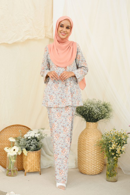 Qaseh Kurung In Nude Orange
