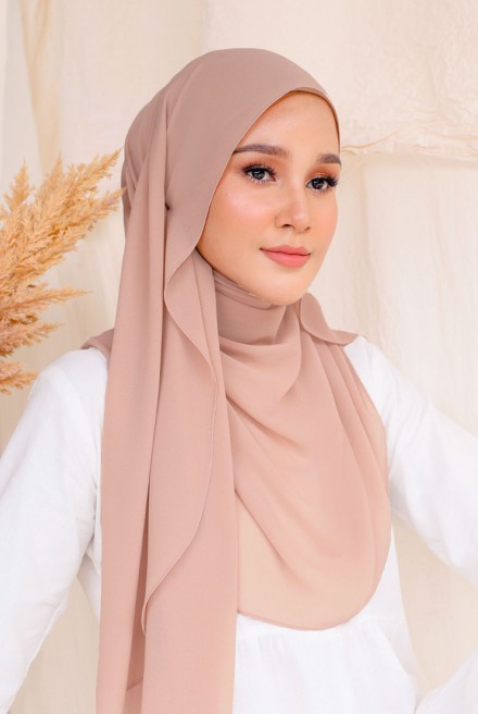 Bayu Instant Shawl in Pecan