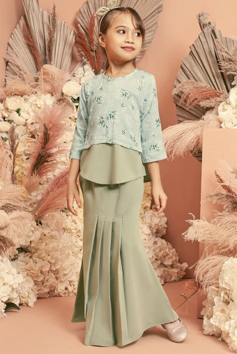 Bawang Kurung Girl in Mint
