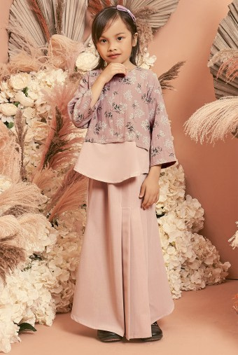 Bawang Kurung Girl in Dusty Pink
