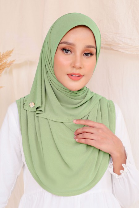 Kaila Instant Shawl in Apple Green