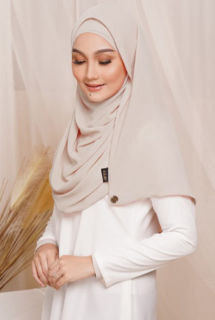 Sadia Long Shawl in Beige