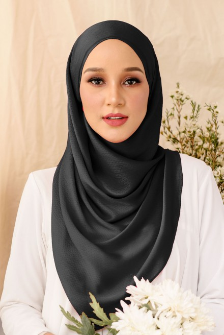 Nour Long Shawl In Black