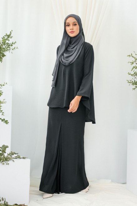 Renjana Kurung In Black