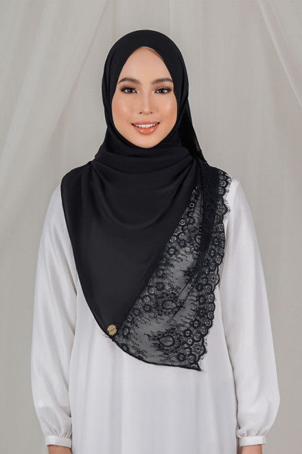Shaina Lace Shawl in Black