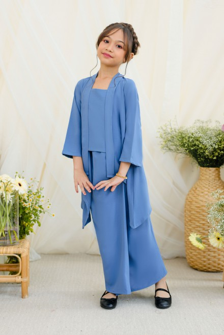 Adiwarna Kebaya Girl  In Blue
