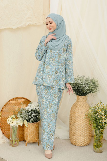 Qaseh Kurung In Blue