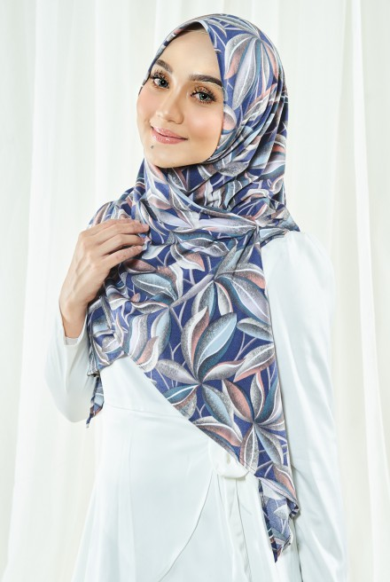 Luna Printed Bawal in Blue Leaf