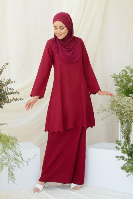 Widuri Kurung In Burgundy