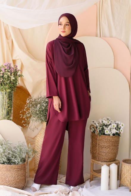 Atma Suit In Burgundy