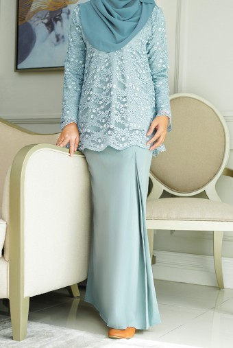 Cengkih Kurung in Dusty Blue
