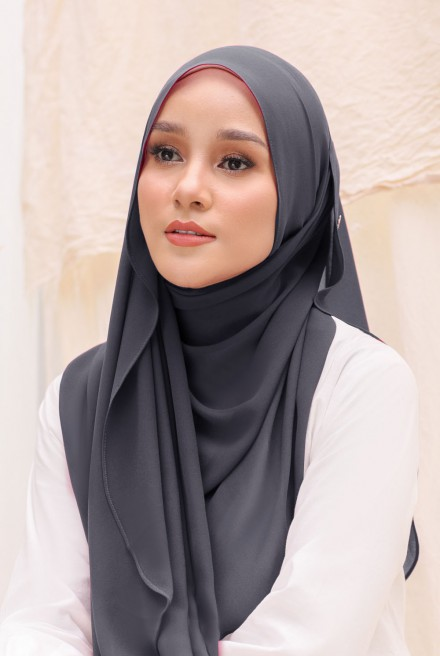 Bayu Instant Shawl in Charcoal