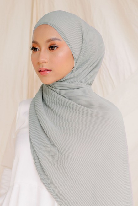 Naeka Full Pleated Shawl in Cloud