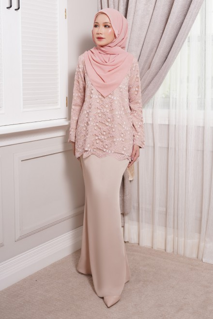 Maisun Kurung  in Cream Nude