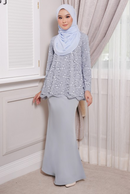 Maisun Kurung  in Dusty Blue