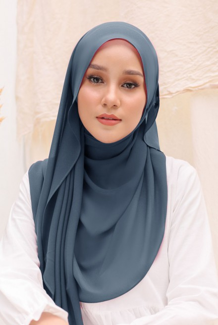 Bayu Instant Shawl in Dusty Blue