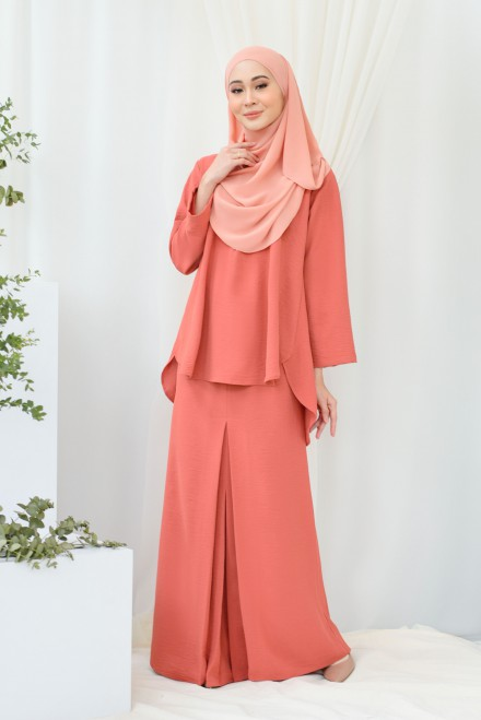 Renjana Kurung In Dusty Orange
