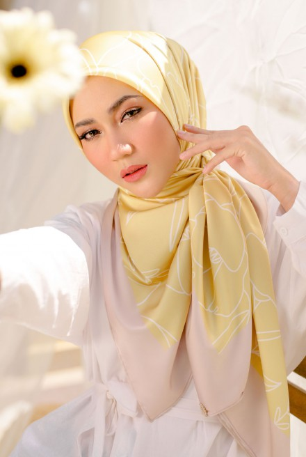 Erum Bawal Printed in Honeysweet
