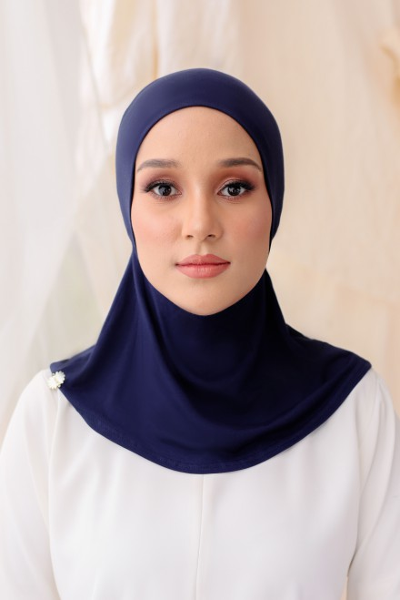 Aveen Inner Neck in Navy Blue