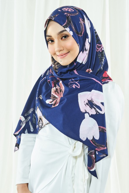 Luna Printed Bawal in Navy Blue