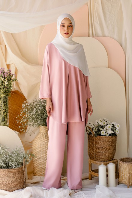 Atma Suit In Pink